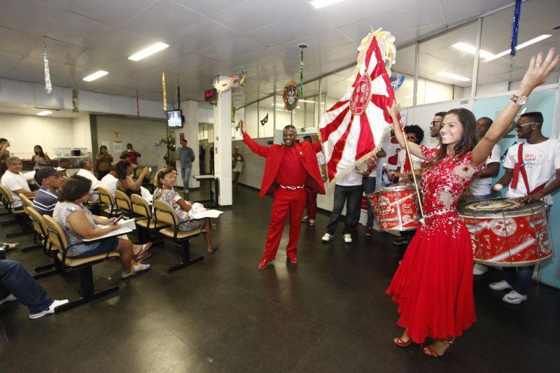 b_800_600_0_00_images_stories_ASCOM_hemorio-Carnaval2014_hemorio_-_campanha_doacao_Carnaval_2014_138