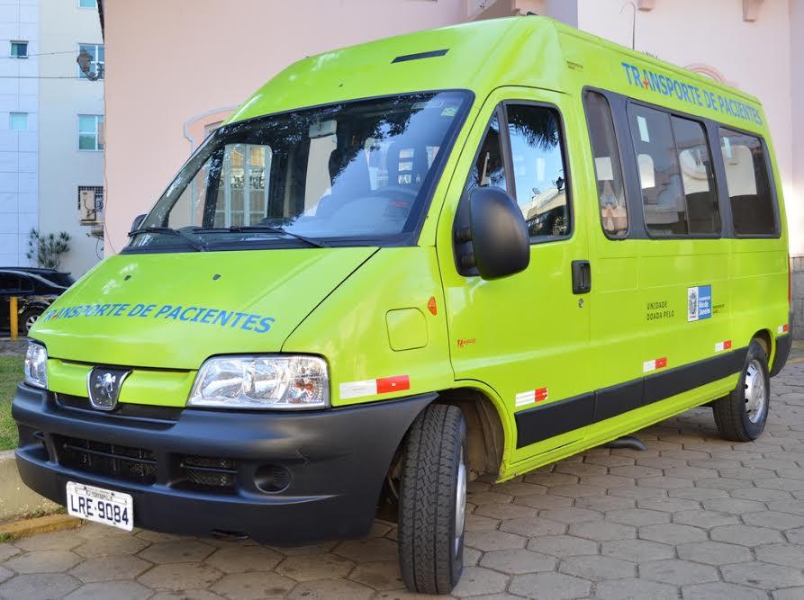 Van para transporte de pacientes recebe serviços de suspensão, retifica de motor, alinhamento, balanceamento e troca de pneus, entre outros reparos