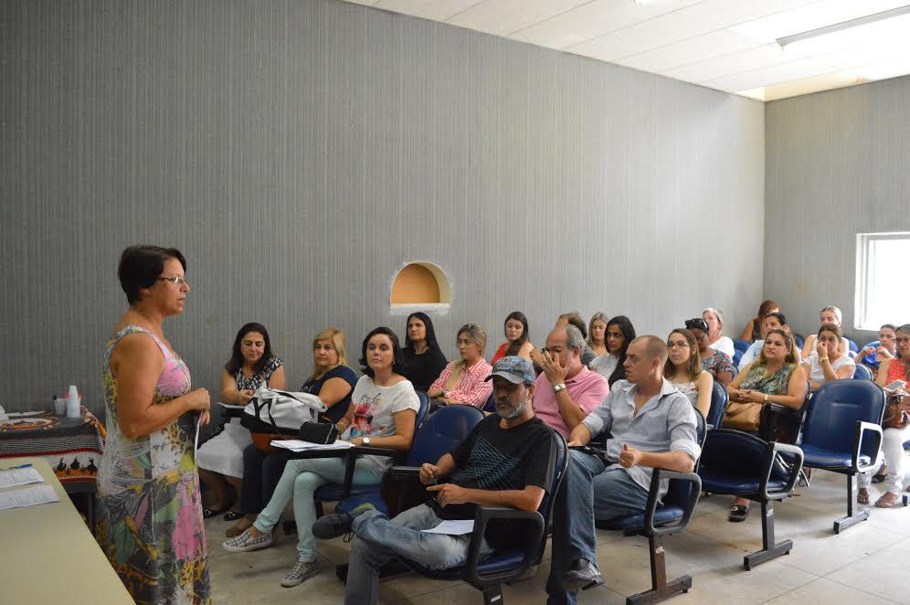 Maria de Fátima Jorge, coord. do Programa DST/Aids/Sec. Saúde, passa informações